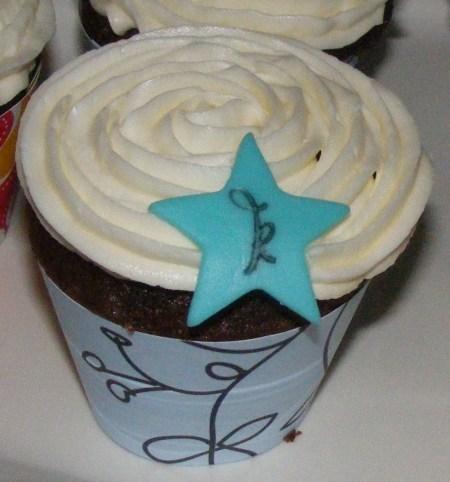 monogrammed cupcake